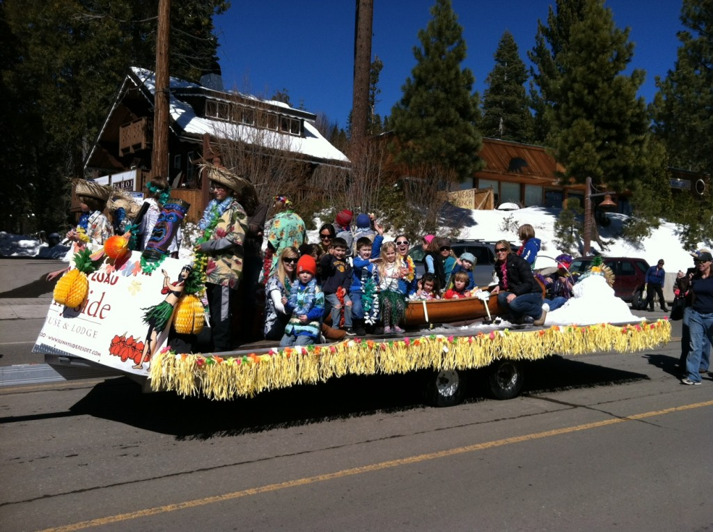 tahoe-city-parade-tcns-kids